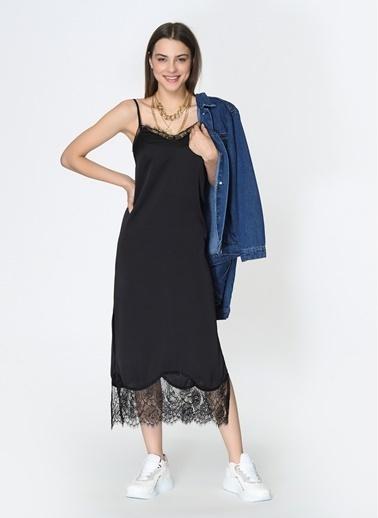 Loves You Dantel Detaylı Saten Görünümlü Elbise Siyah